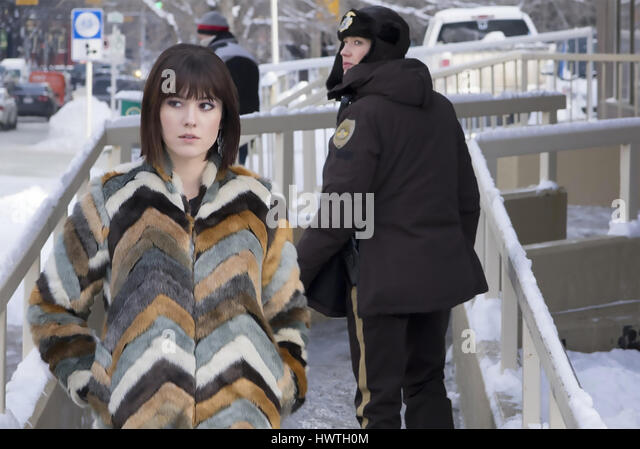 FARGO 2014 FX Networks TV series with Mary Elizabeth Winstead at left and Carrie Coon - Stock-Bilder