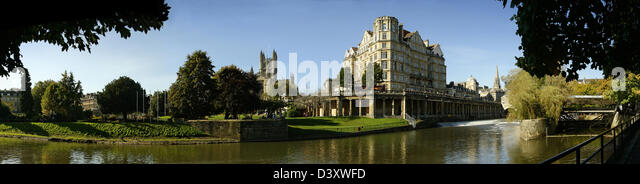 Panoramic view of the River Avon, looking towards Parade Gardens, Bath, England - Stock Image
