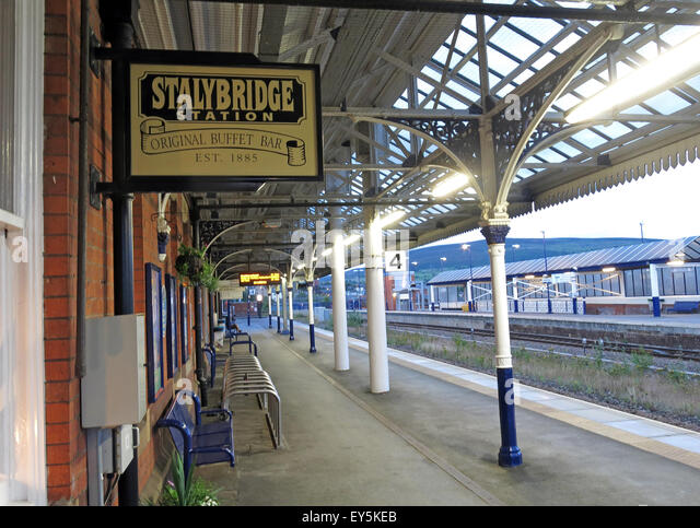 Stalybridge Station Original Buffet bar,est 1885, Transpennine aletrail, Tameside, Greater Manchester, England, - Stock Image