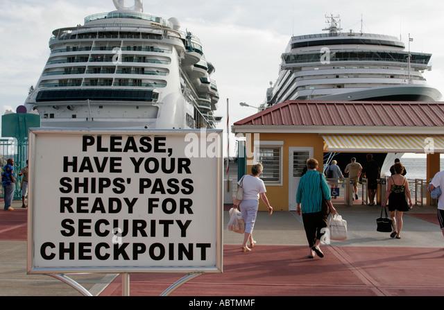 Sint Maarten Philipsburg Dutch cruise ship port sign security checkpoint - Stock Image