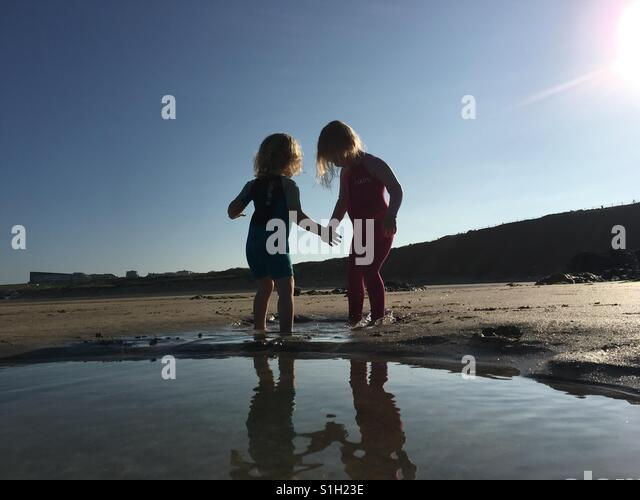 Toddlers on the beach - Stock-Bilder