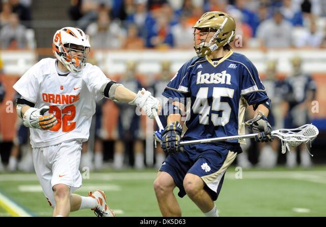 May 1, 2011 - Syracuse, New York, U.S - Notre Dame Fighting Irish midfielder Max Pfeifer (45) holds onto the ball - Stock Image