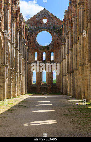 The monumental complex of Saint Galgano rises approximately 30 km to the West of Siena, to the border with the province - Stock-Bilder