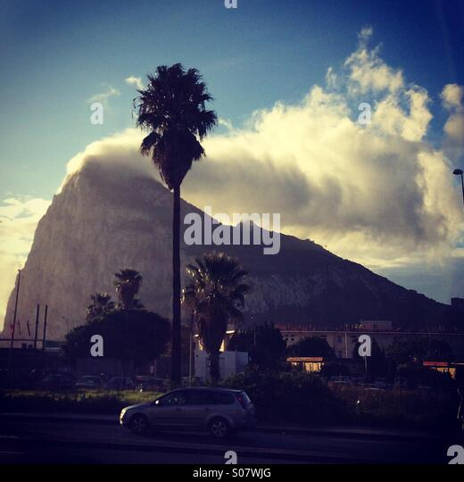 Levanter cloud over the Rock of Gibraltar. - Stock Image