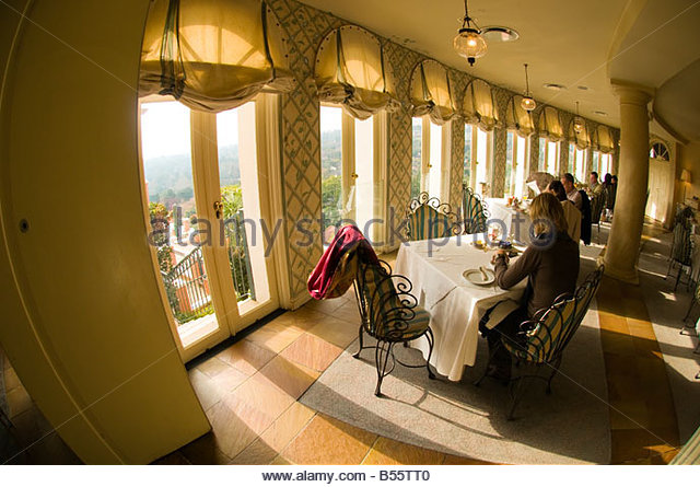 La terrasse stock photos la terrasse stock images alamy - Belle maison restaurant paris ...