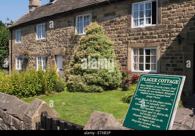 England Derbyshire, Eyam, Plague cottages - Stock Image