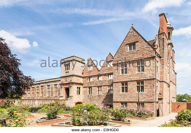 Rufford Abbey, a 12th century Cistercian abbey at Rufford Country Park, Nottinghamshire, England, UK - Stock Image