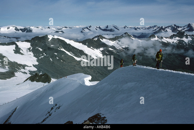 The summit ridge of Similaun, Ötztal Alps, Austria - Stock Image