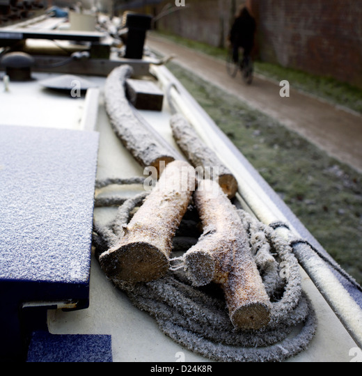 Winter on the South Oxford Canal, Oxford, Oxfordshire, Oxon, England, UK, boat, narrowboat, ice, frost,  canal GB - Stock Image