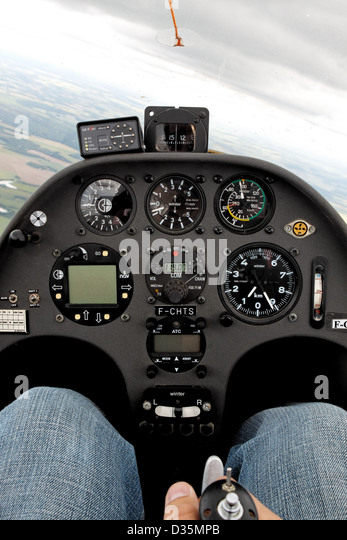 Flying in a Schempp-Hirth Duo Discus glider - Stock Image
