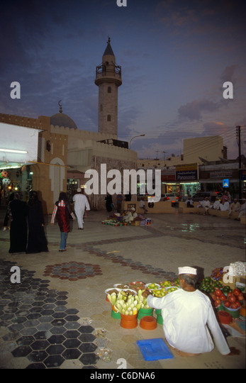 Souk an der Corniche, Bazar, Stadt, Mutrah, Muscat, Bazar, souk, suq, souq, Corniche, people, Mutrah, old town - Stock-Bilder