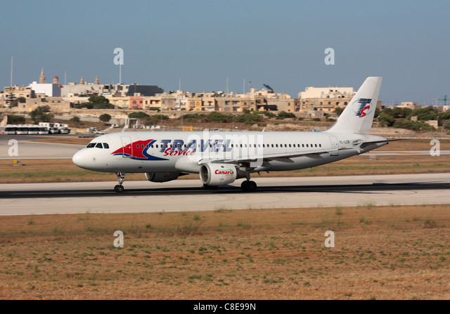 Travel Service Airbus A320 taking off from Malta - Stock-Bilder