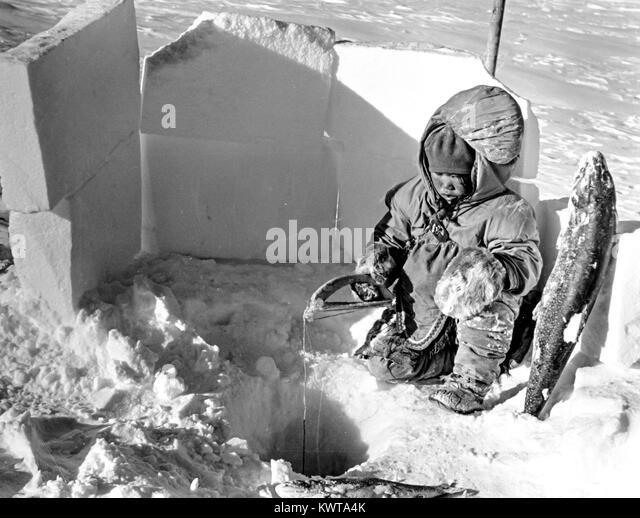 Eskimo In Igloo Stock Photos & Eskimo In Igloo Stock