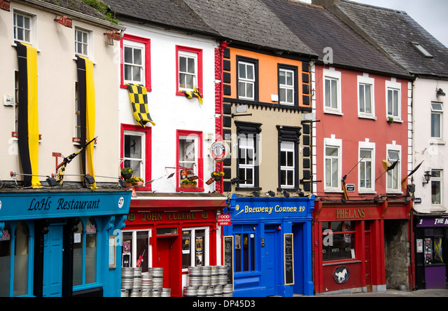 Streetscape colorful architecture buildings Parliament Street, Kilkenny City town, Ireland - Stock Image