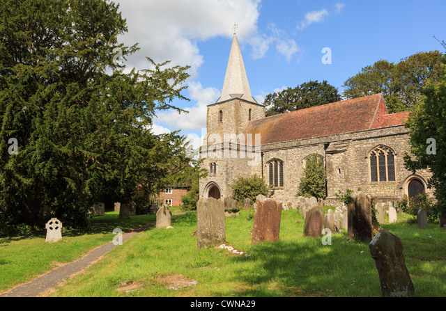 Pluckley parish church of Saint Nicholas and graveyard reputed to be haunted by two ghosts and featured in Darling - Stock Image