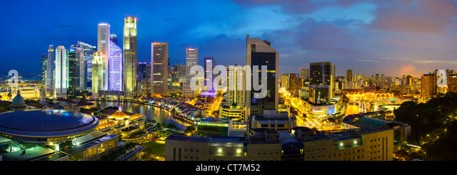 South East Asia, Singapore, Elevated view over the Entertainment district of Clarke Quay, the Singapore river and - Stock-Bilder