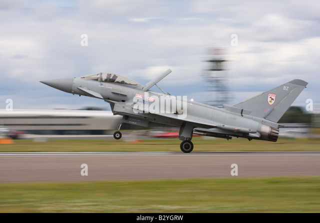 UK Air Force Eurofighter EF-2000 Typhoon F2 from 29 (R) Squadron landing after a display at Farnborough International - Stock Image