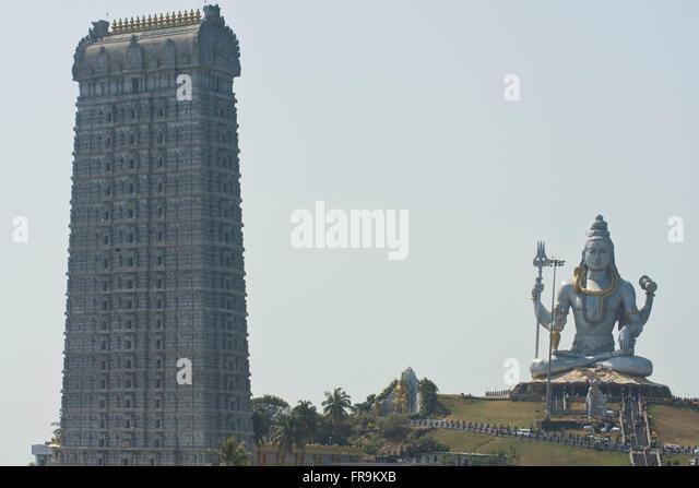 Asien, Indien, Karnataka, Murudeshwar, Shiva Statue und Tempelturm - Stock-Bilder
