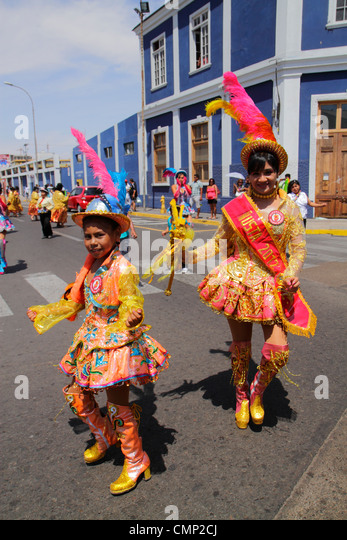 Chile Arica Avenida Pedro Montt 'Carnaval Andino' Andean Carnival parade rehearsal indigenous Aymara heritage - Stock Image