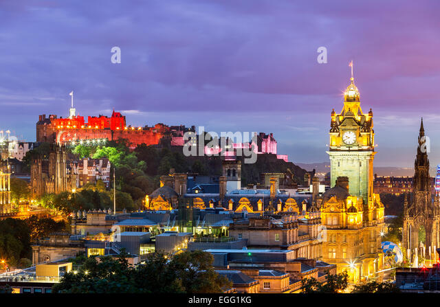 The Edinburgh skyline with the Edinburgh castle in the background. Photographed from Calton Hill just after sunset. - Stock Image