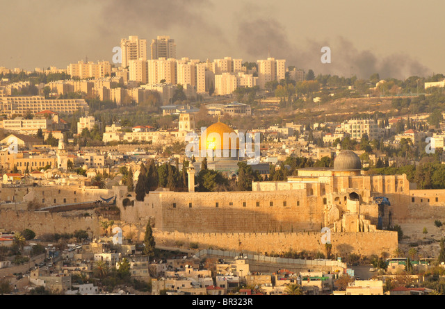 Drift smoke over Jerusalem old town and the Dome of the Rock, Israel, Middle East, the Orient - Stock Image
