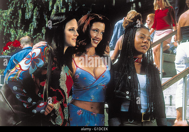 image Regina hall anna faris kathleen robertson scary movie 2