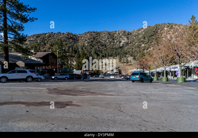 Wrightwood stock photos wrightwood stock images alamy for Snow cabins near los angeles