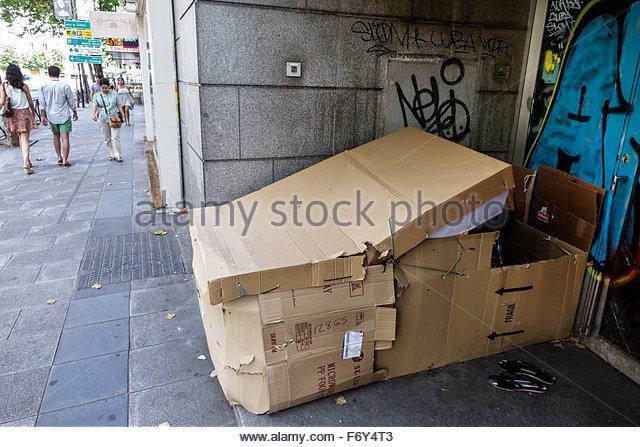 Spain, Europe, Spanish, Hispanic, Madrid, Chamberi, Plaza Alonzo Martinez, homeless, cardboard shelter, - Stock Image