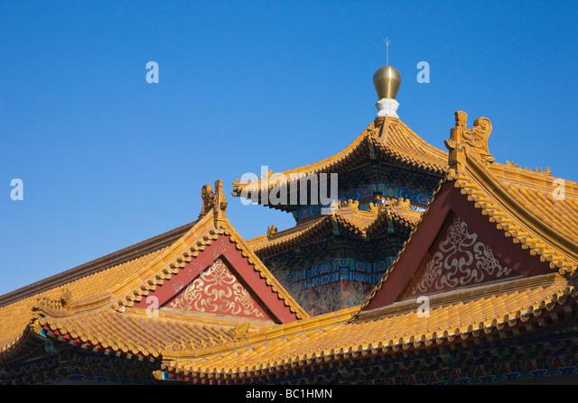 Traditional architecture in Dasheng Temple, Qiqihaer, Heilongjiang Province, China - Stock-Bilder