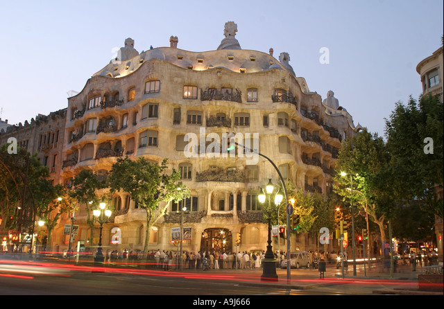 ESP Spain Barcelona Casa Mila by Antoni Gaudi Passeig de Gracia fassade dusk - Stock Image
