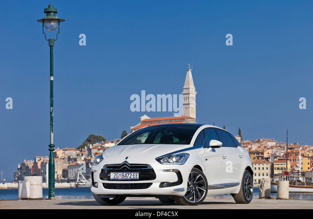citroen ds5 stock photos citroen ds5 stock images alamy. Black Bedroom Furniture Sets. Home Design Ideas