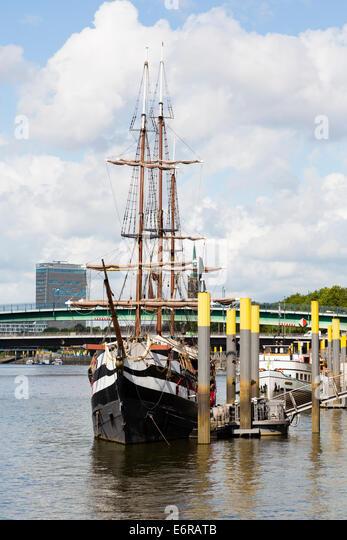 "Pirate ship restaurant, ""Pannekoekschip"", Bremen quayside. - Stock Image"
