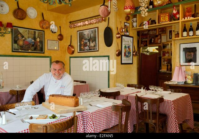 lyon restaurant stock photos lyon restaurant stock images alamy. Black Bedroom Furniture Sets. Home Design Ideas