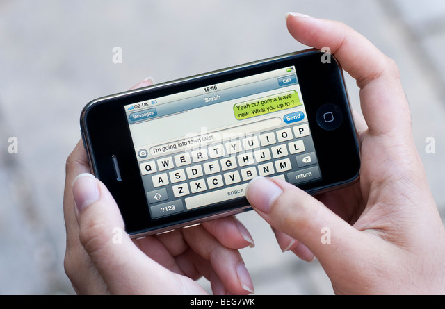 how to cut videos on iphone text message screen sending stock photos amp text message 18700
