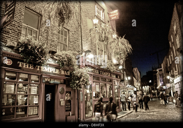 The Temple Bar at Night Dublin Ireland , Europe - Stock Image