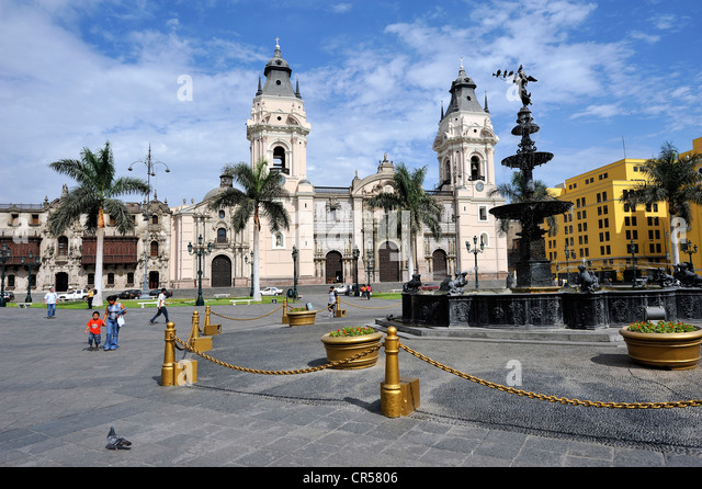 Cathedral on the Plaza Mayor or Plaza de Armas, Lima, UNESCO World Heritage Site, Peru, South America - Stock Image