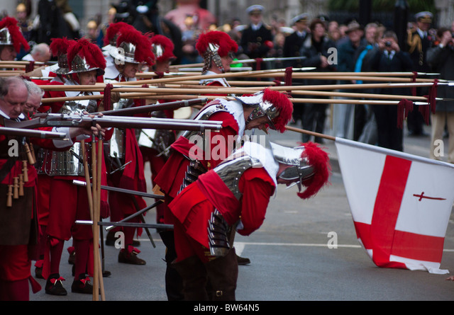 Pikemen, The Honourable Artillery Company performing a ceremonial act at the Lord Mayor's show 2010 - Stock Image