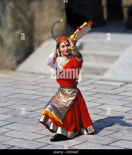 Chinese Dancer in the Middle Kingdom Area, Ocean Park, Hong Kong - Stock Image
