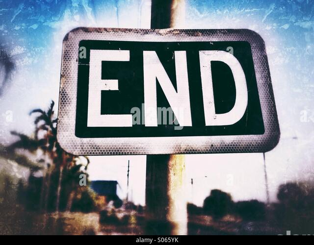Street sign with the word end. - Stock-Bilder