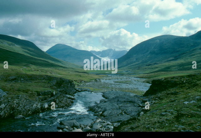 A classic glacially eroded U-shaped valley; Kebnekaise from Tsutsavagge, Lappland, Norrbottens Län, arctic - Stock Image