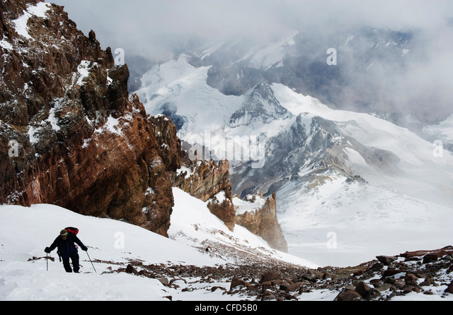 Climber nearing the summit of Aconcagua 6962m, Provincial Park, Andes mountains, Argentina - Stock Image
