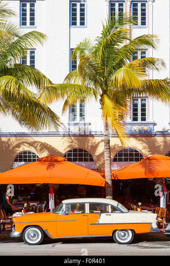 Miami, Vintage car on Ocean drive - Stock Image