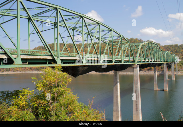 Tennessee Sparta Center Hill Lake Caney Fork River Sligo Bridge high steel through truss bridge structure metal - Stock Image