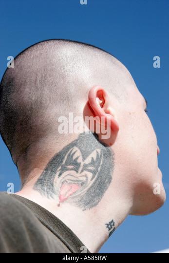 Miami Beach Florida North Beach Festival of the Arts male neck tattoo Kiss fan - Stock-Bilder