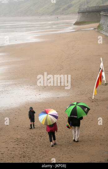 Filey, Yorkshire, UK, 24 July 2017.  Weather in Filey, Yorkshire Credit: Gerard Noonan/Alamy Live News - Stock Image