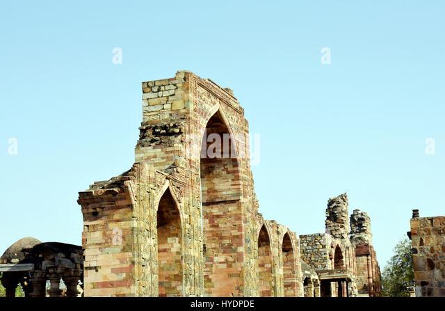 Ruins at the Qutb Complex, New Delhi - Stock Image