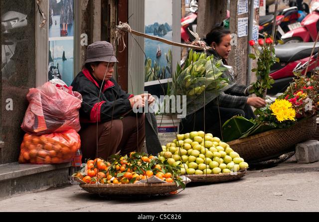Woman Orange Fruit Selling Stock Photos & Woman Orange ...