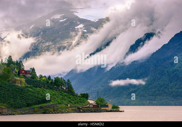 The Hardangerfjord is the fourth longest fjord in the world, and the second longest fjord in Norway. - Stock-Bilder