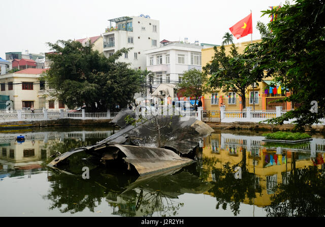 Crashed B-52 in Huu Tiep Lake, Hanoi, Vietnam - Stock Image