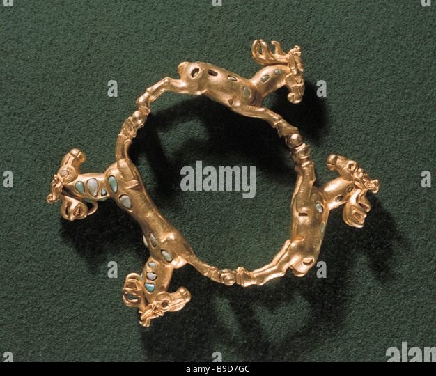 The gold bracelet with running deer images unearthed in a Sarmatian 1st century burial - Stock Image